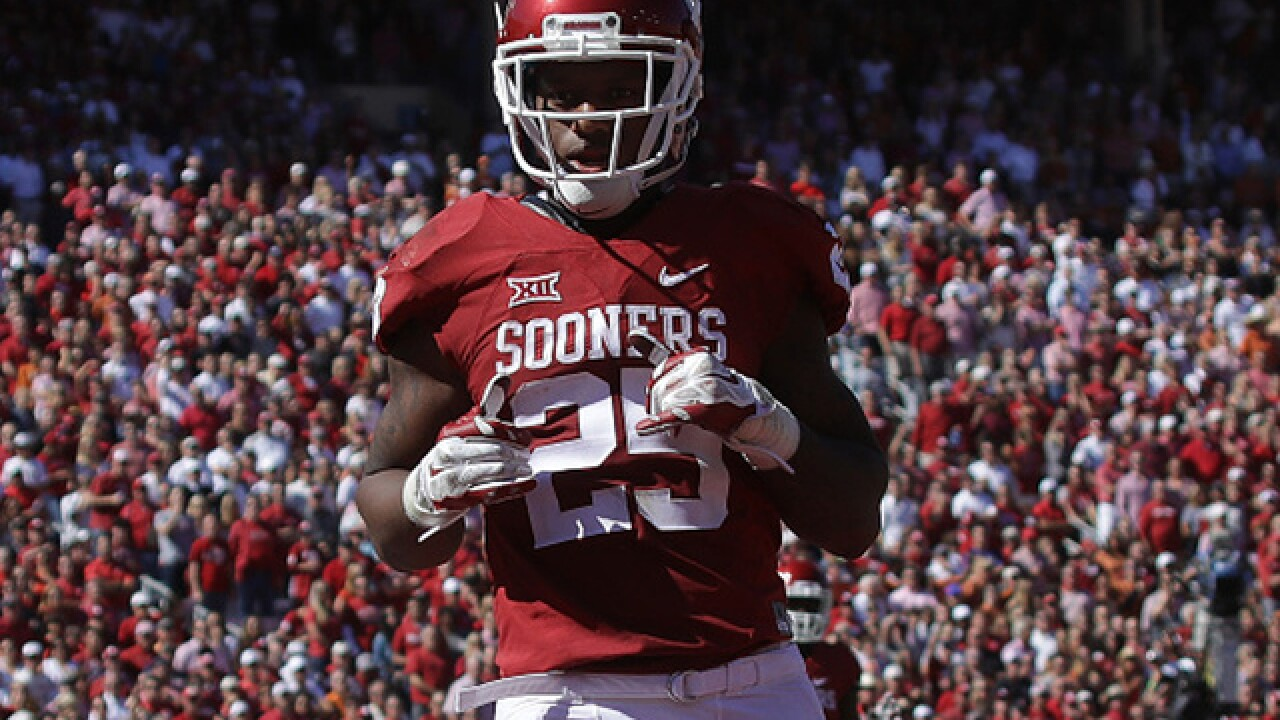 Mixon apologizes for punching woman in 2014
