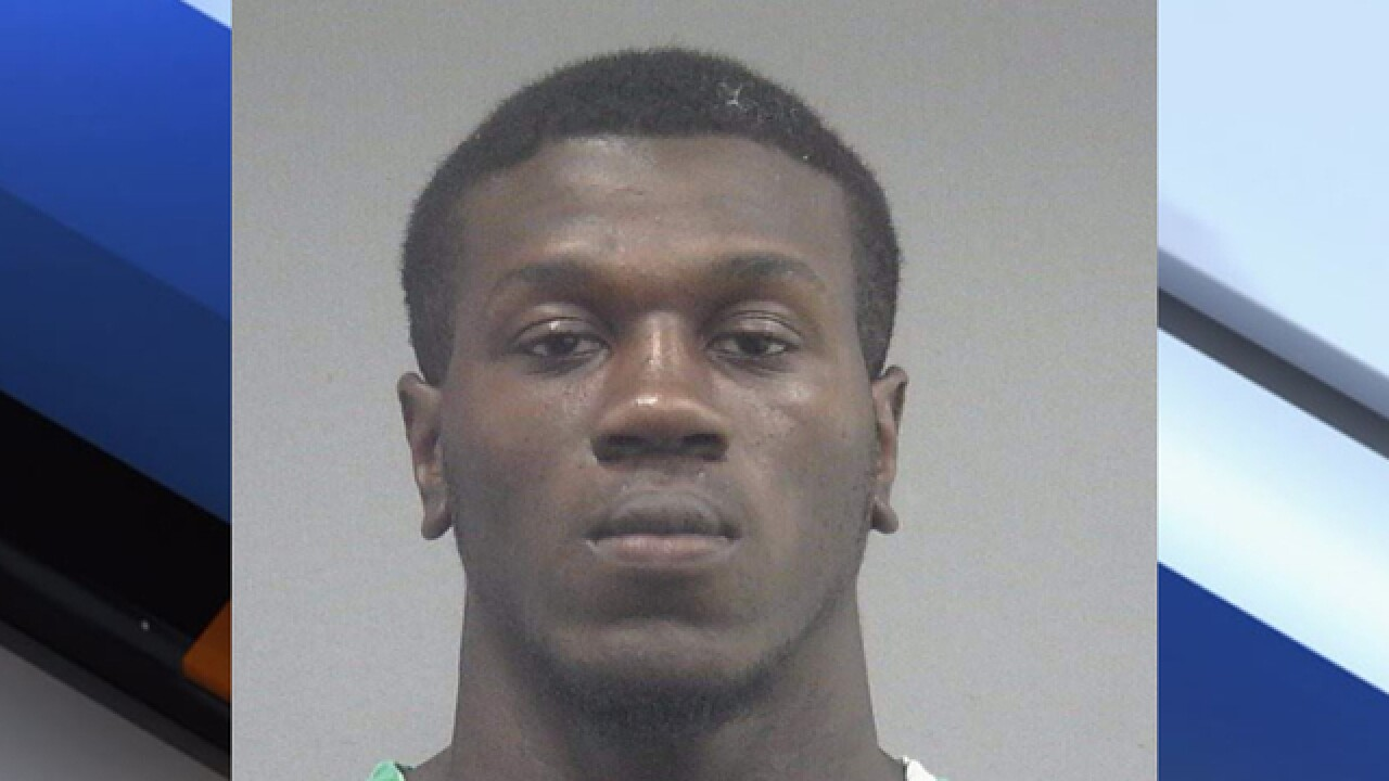 Ex-Gator Adarius Lemons charged with strangling girlfriend