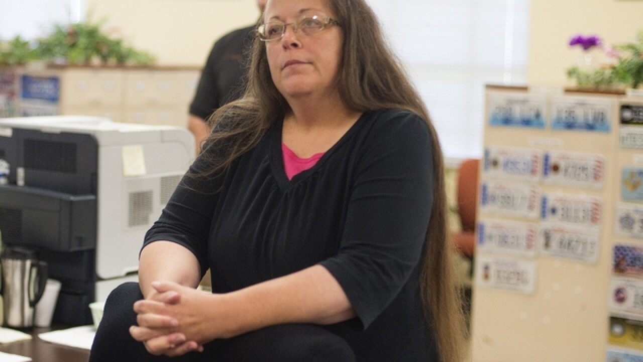 Kentucky clerk Kim Davis, who denied marriage licenses to gay couples, loses in election