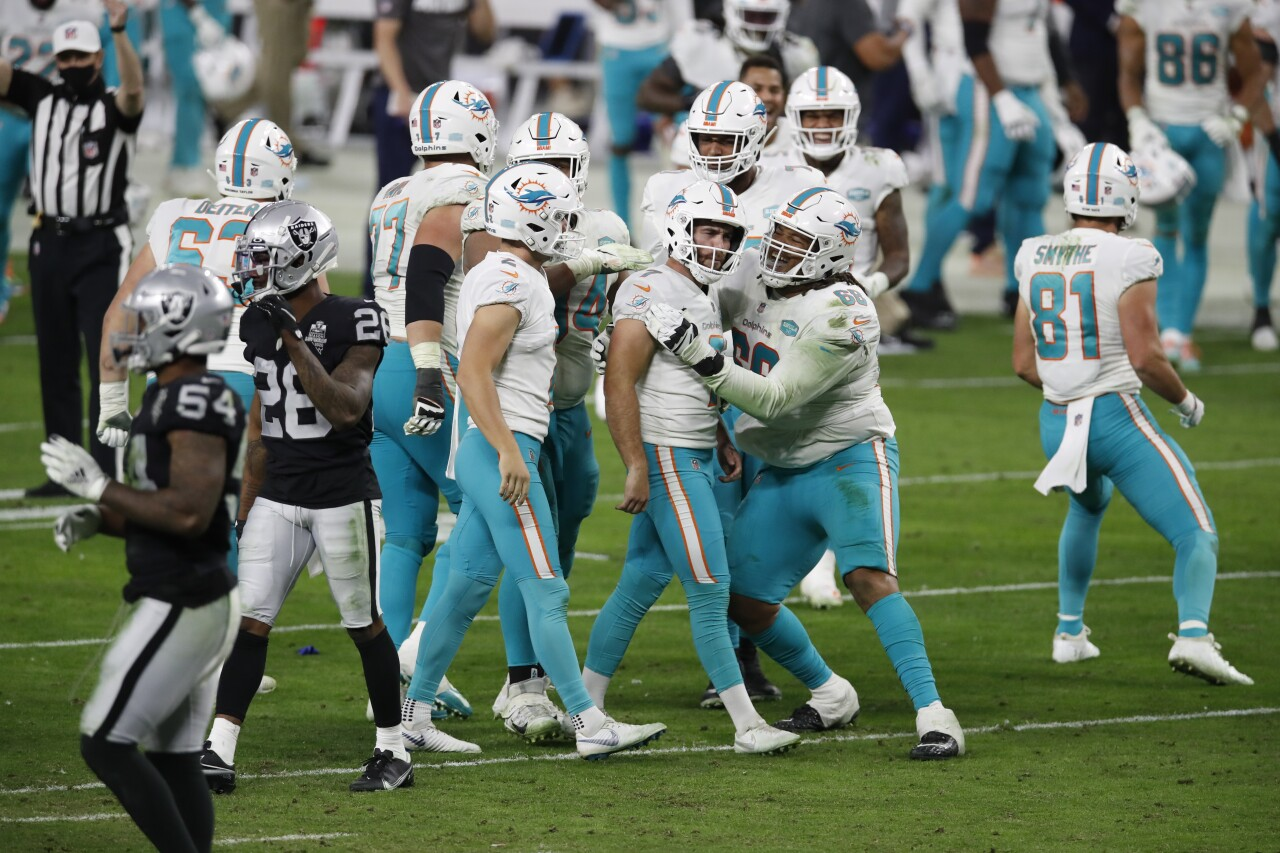 Miami Dolphins kicker Sanders celebrates after game-winning FG at Las Vegas Raiders in 2020