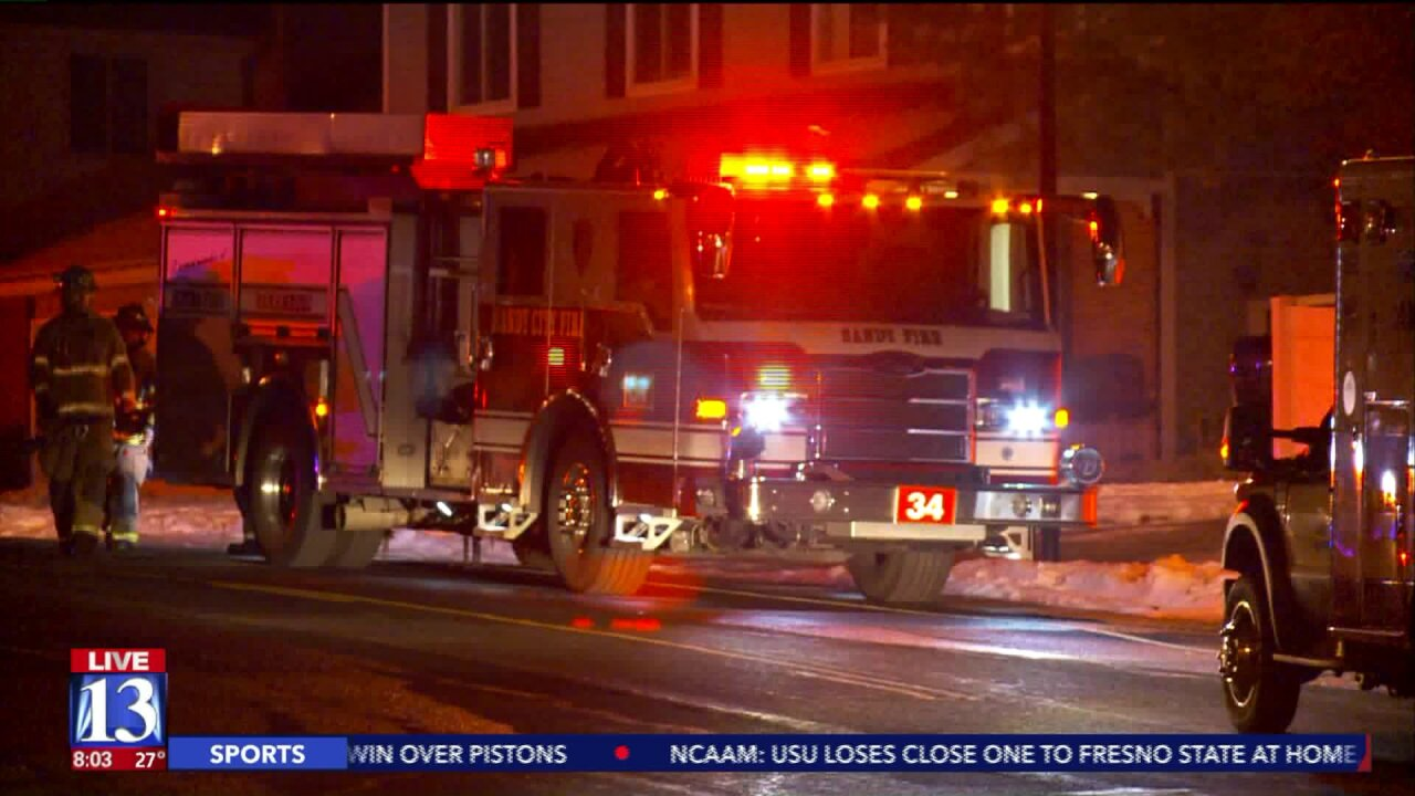 Firefighters remind residents Christmas trees can be volatile after house fire displaces family inSandy