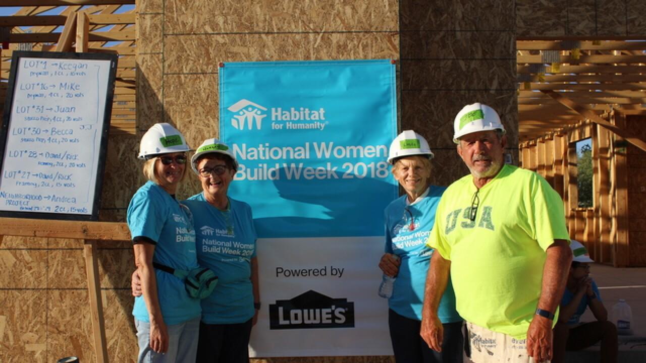 Hundreds of women volunteering to build homes