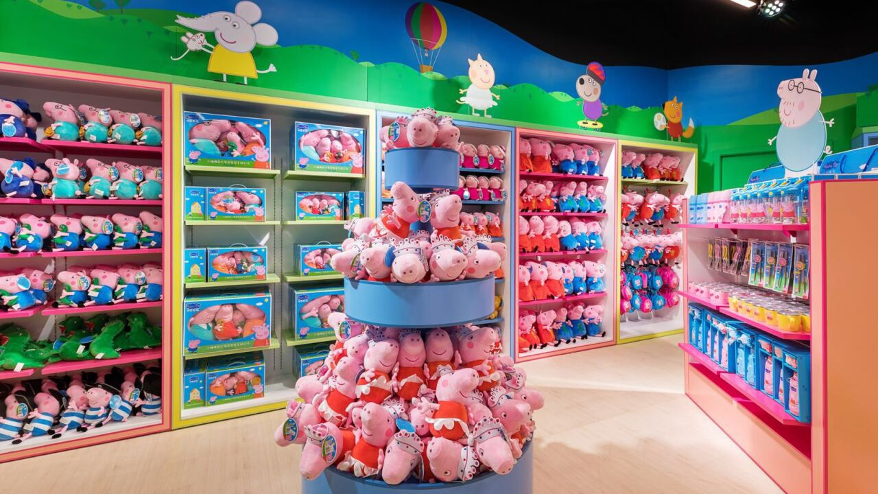 d92bcd5050f7 Employees needed for new Peppa Pig World of Play Michigan store