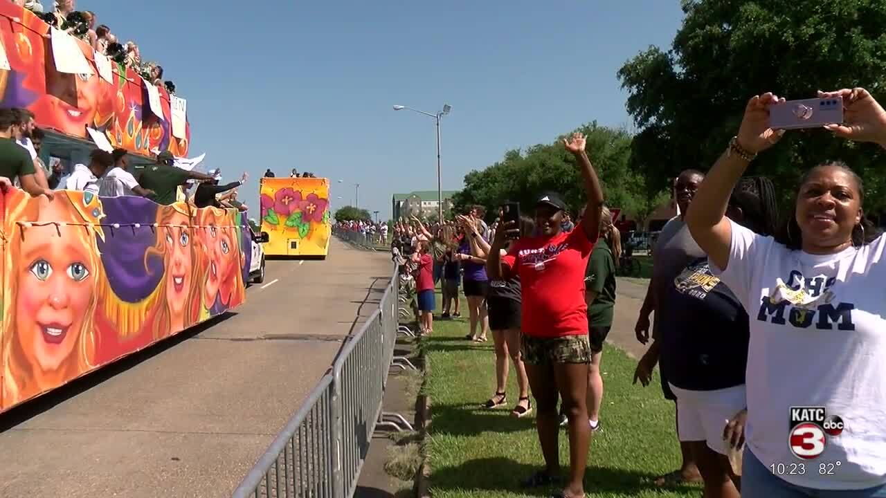 Lafayette parade honors champs