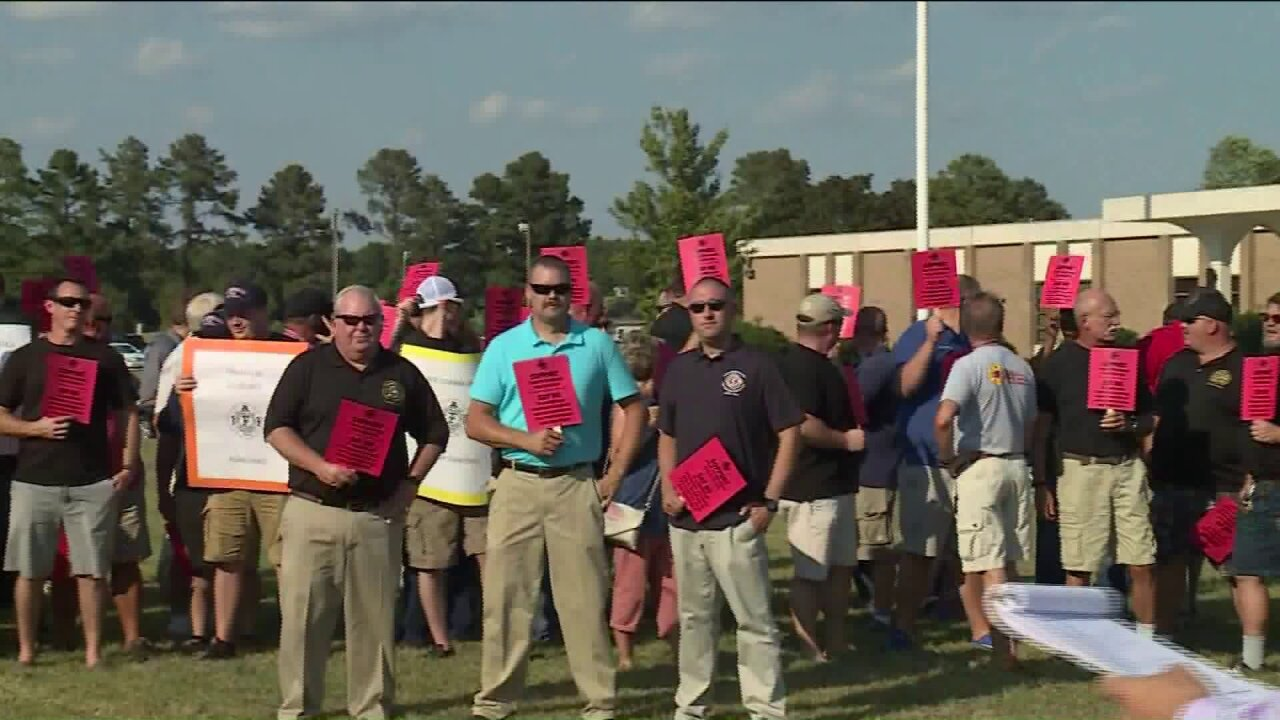 More than 100 Petersburg first responders rally to save their jobs