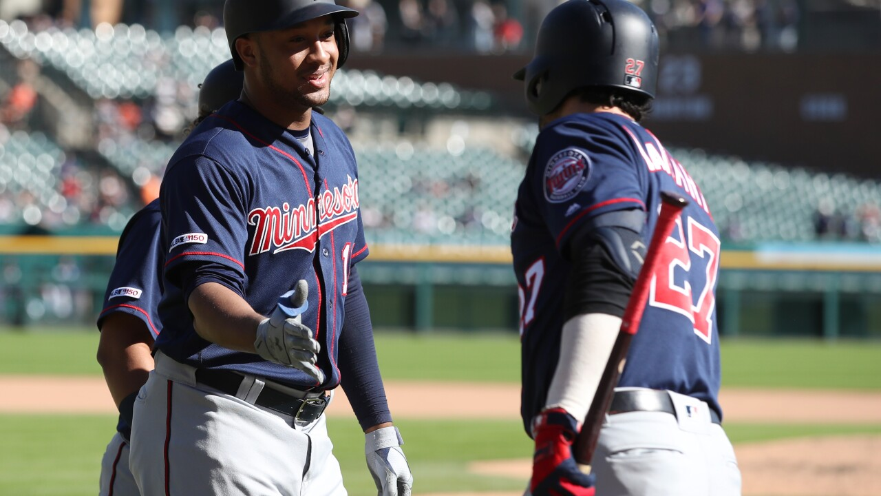 Jonathan Schoop hits Twins' 300th homer of season in win over Tigers