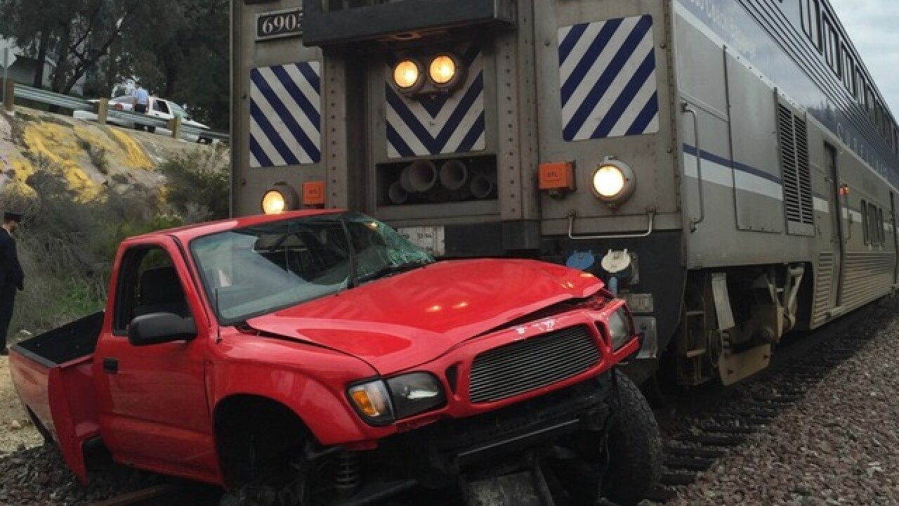 Train slams into truck in Bay Ho