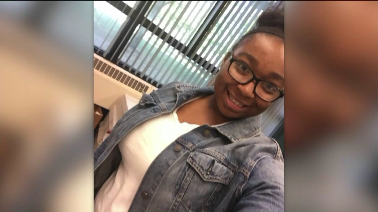 Chicago teen on track to be family's first to graduate college killed at party