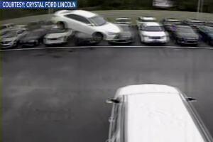 Vehicle flies into car dealership parking lot in Citrus Co.