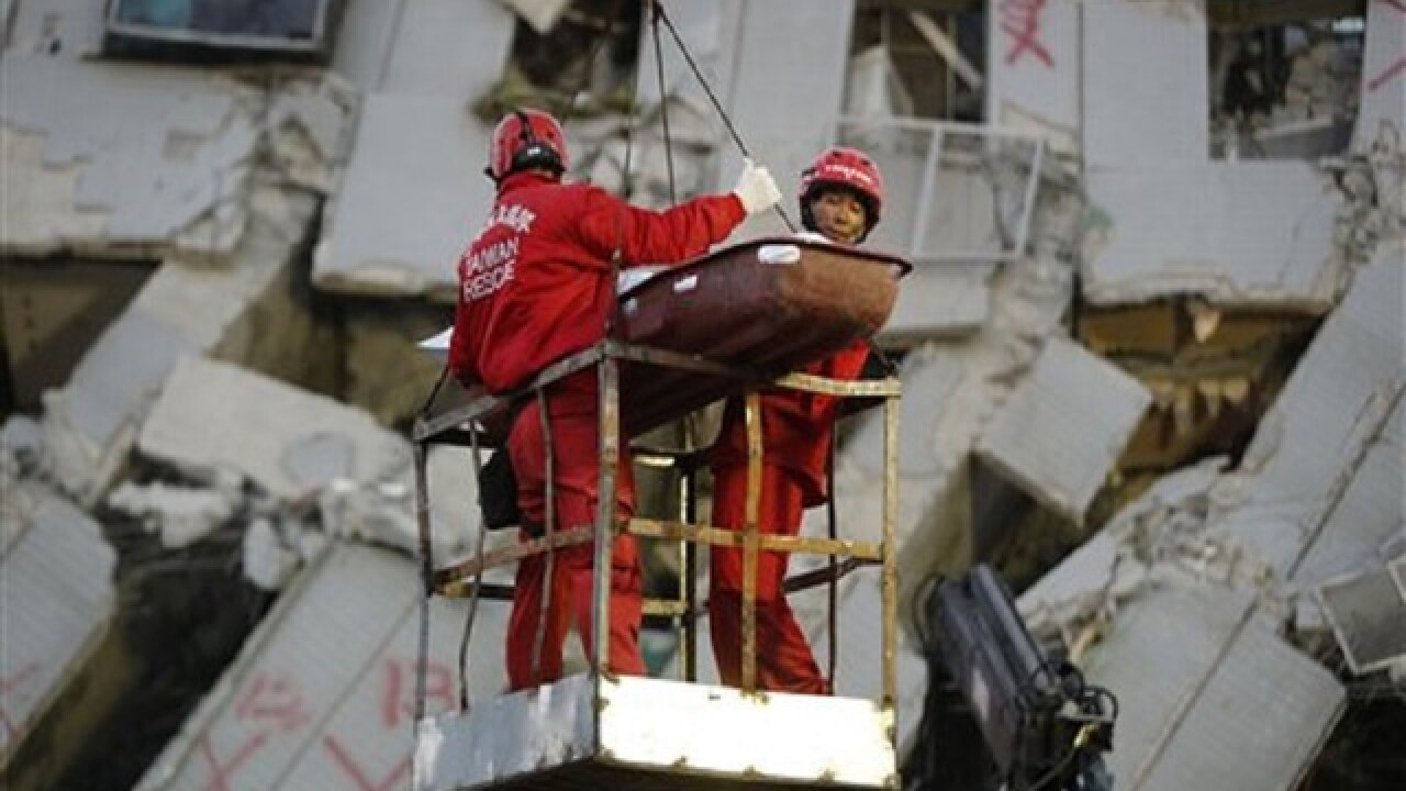 Taiwan quake: Survivors pulled from building