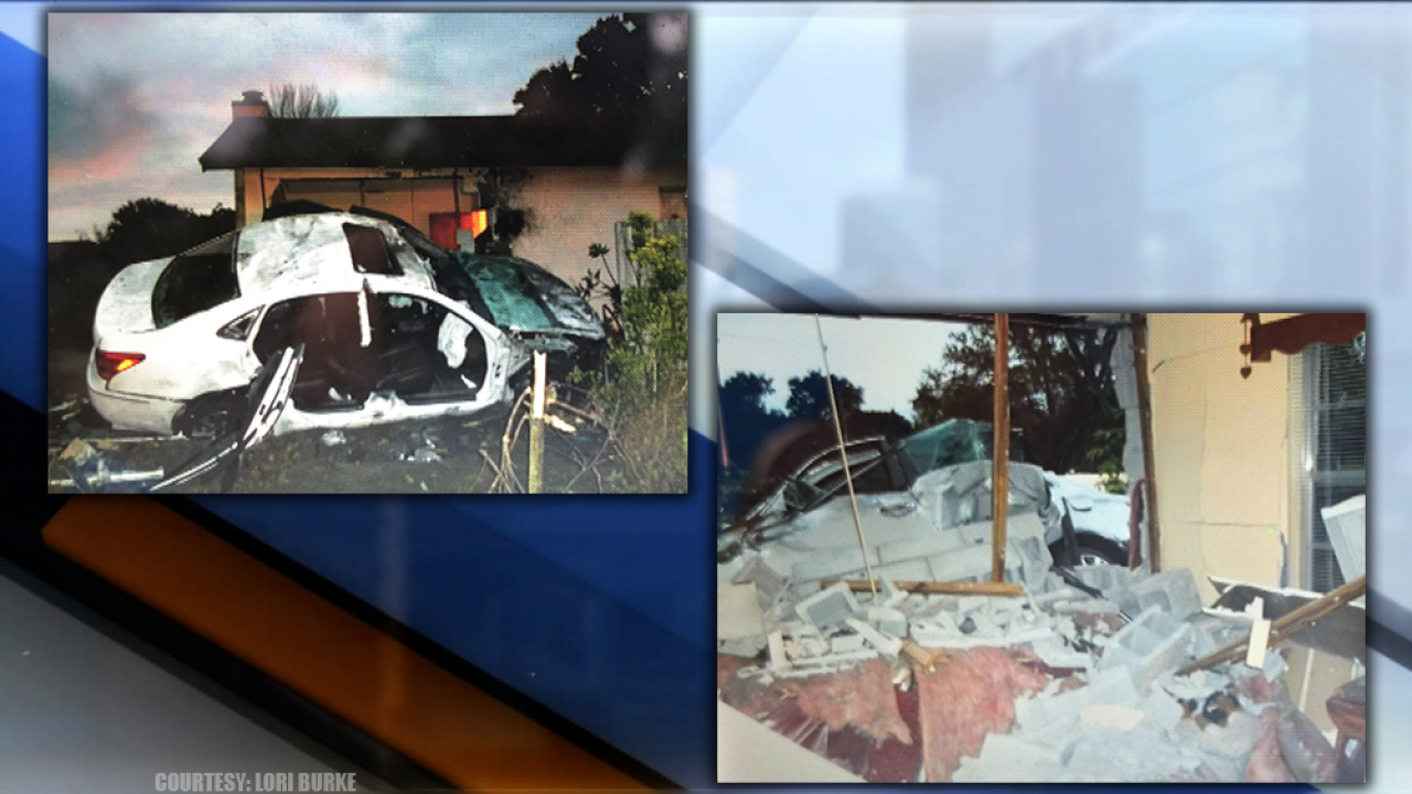 Car-into-Largo-Home-125th-circle-Wild-Acres-3119.png