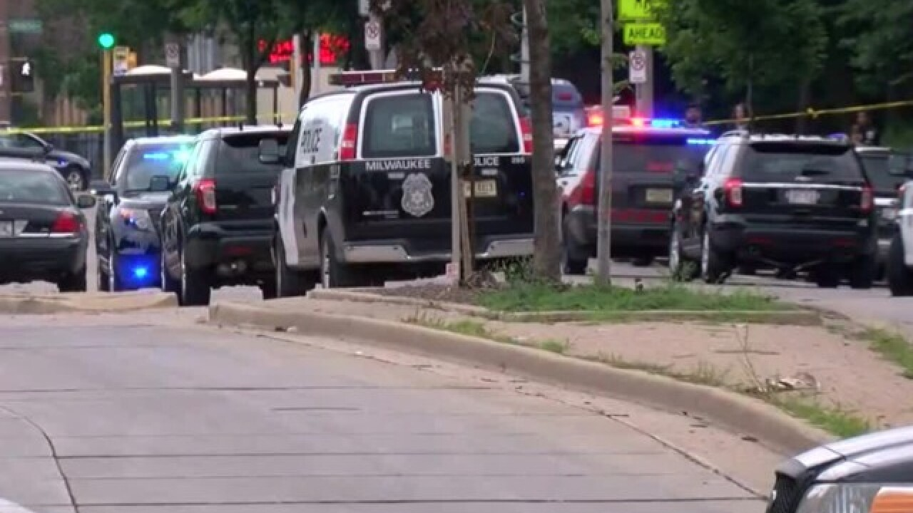 Milwaukee police officer shot on northwest side