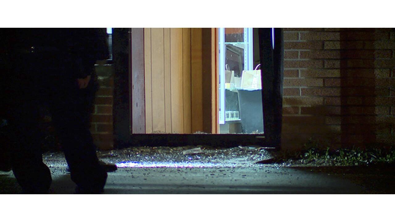 Attempted smash and grab at Parma gun store