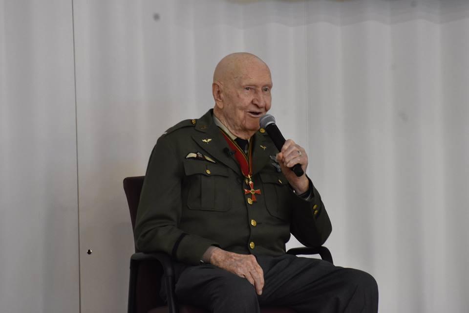 Photos: World War II 'Candy Bomber' tells heartwarming story at Utahschool