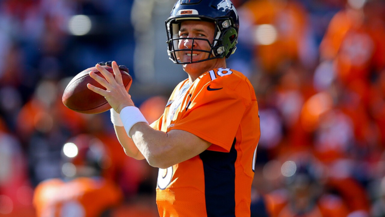 Manning eases into return with team practice
