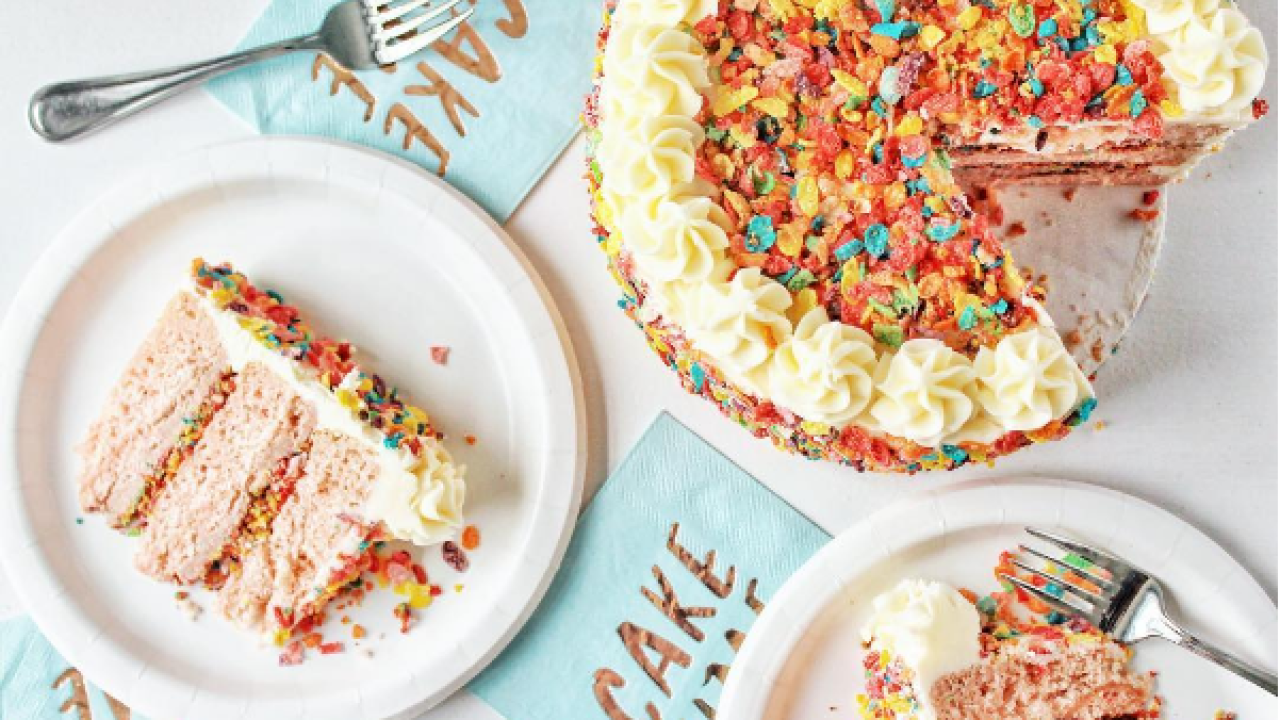 Recipe: Fruity Pebbles Cake