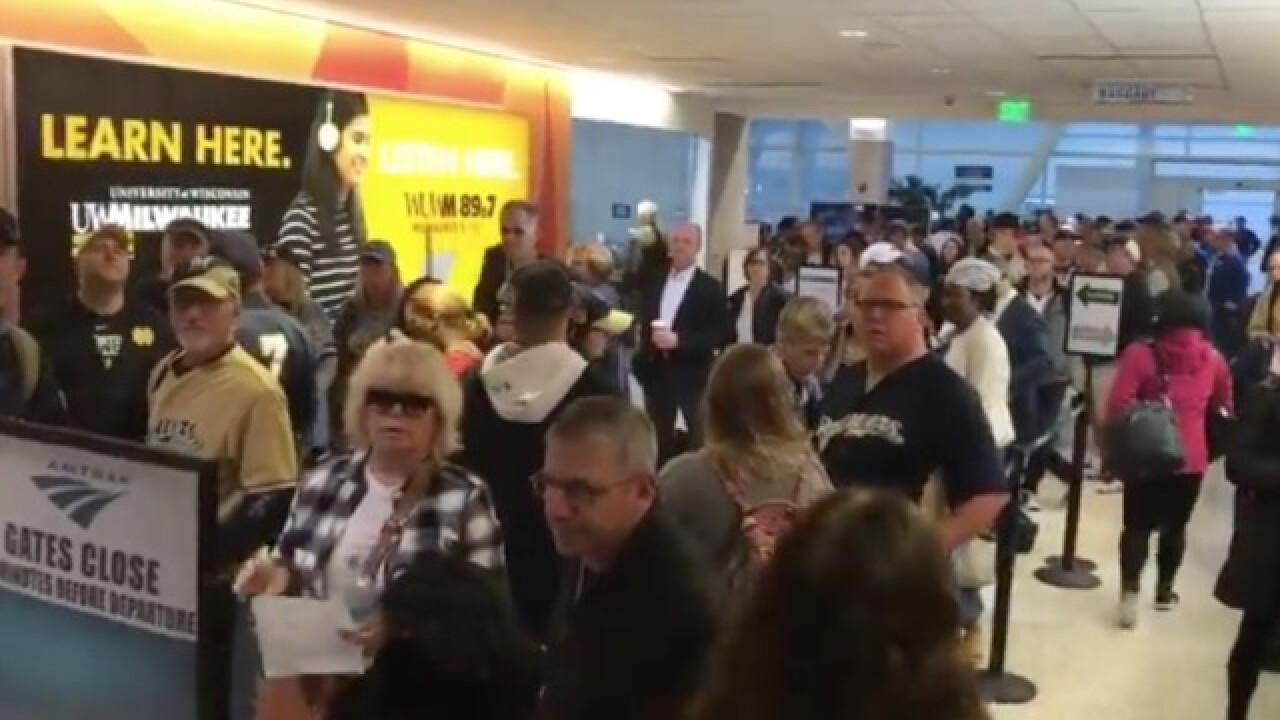 Brewers fans pack Amtrak trains to Chicago
