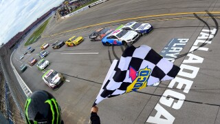 Ryan Blaney beats Ryan Newman in photo finish to advance in playoffs