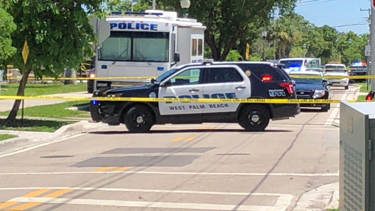 wptv-west-palm-officer-shooting-stabbing-flagler-.jpg