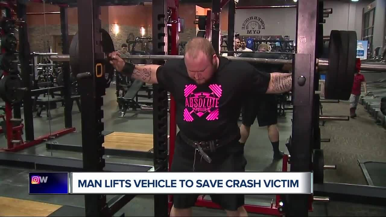 A man was trapped under his Jeep. Then a powerlifter showed up — and lifted the vehicle off him