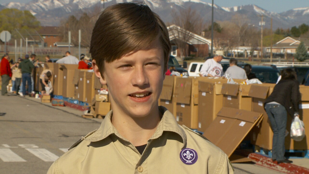 Boy Scouts, volunteers collect food for hungry Utahns