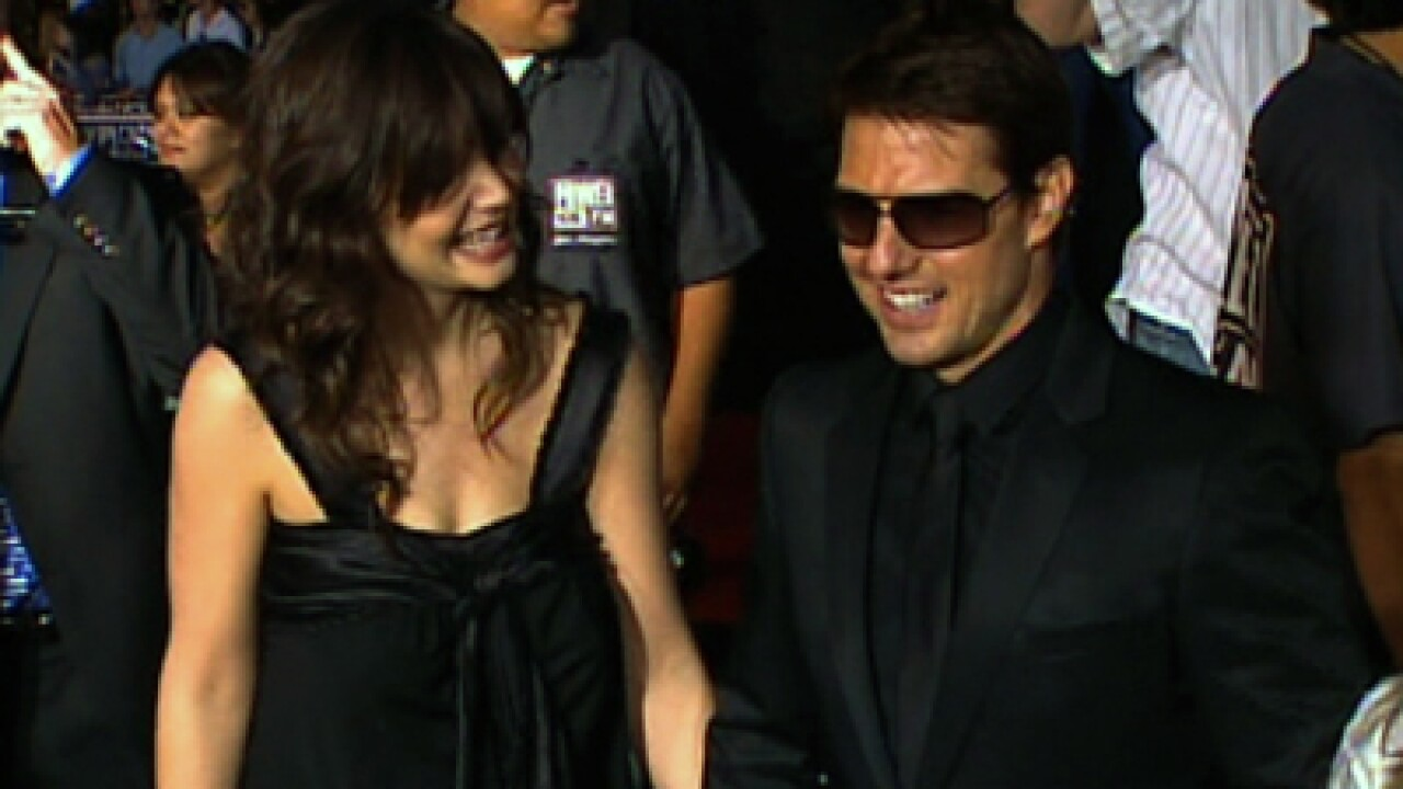 Lawyer: Tom Cruise, Katie Holmes divorcing