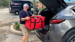 Neighborly-Pinellas-nonprofit-volunteer-delivers-meals-to-seniors.jpg