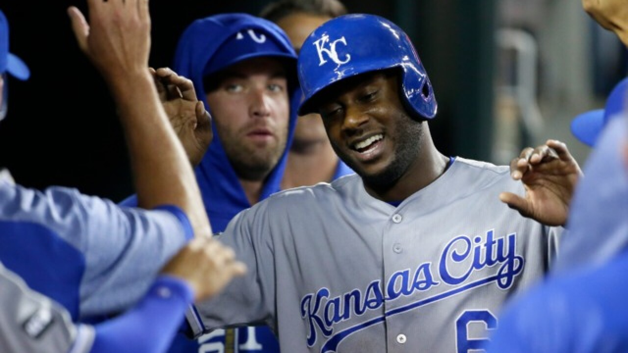Report: Brewers sign outfielder Lorenzo Cain