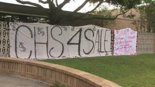 Broma de último año resulta en investigación de vandalismo