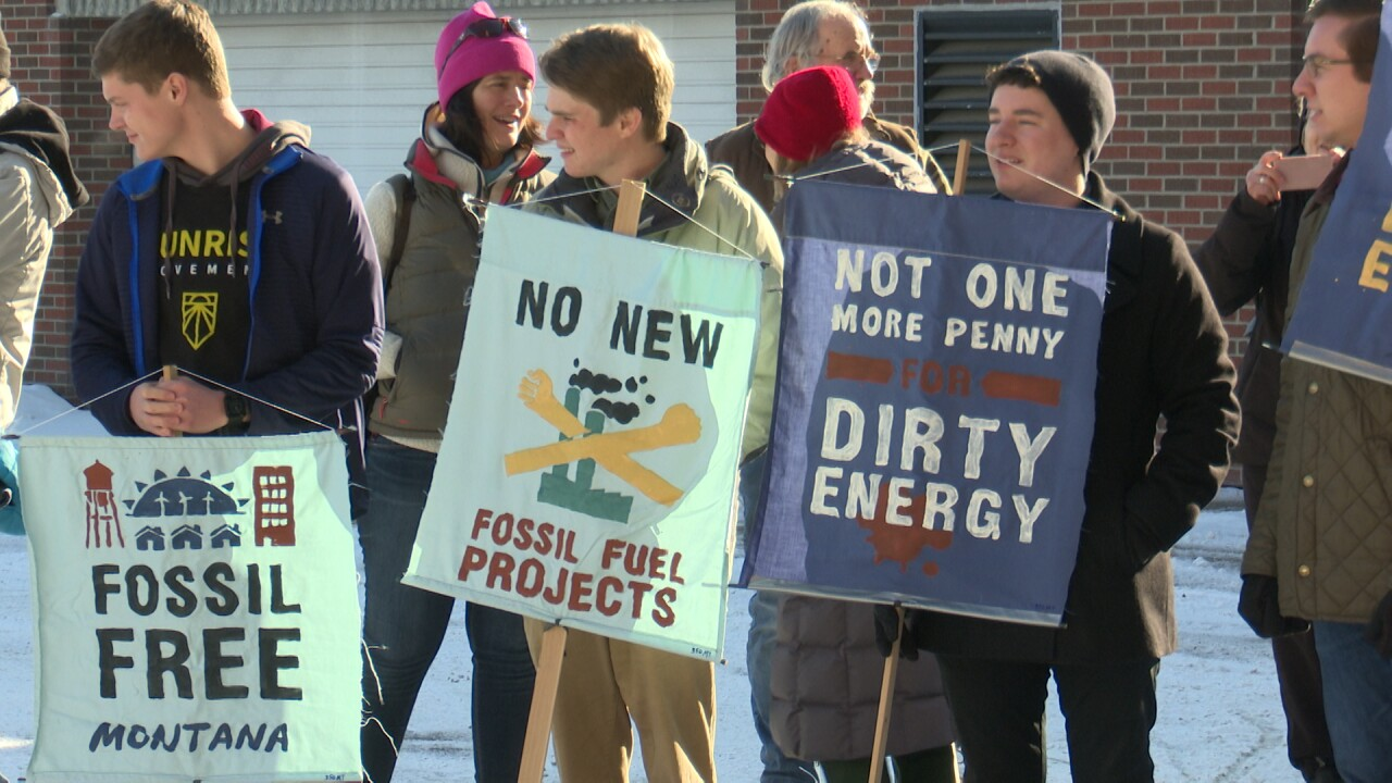 Renewable-power advocates rally against NW energy-procurement plan