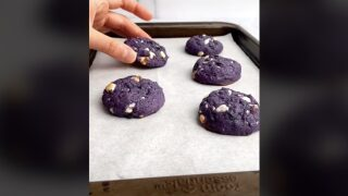How To Make The Beautiful Blueberry Cookies From This Viral Video