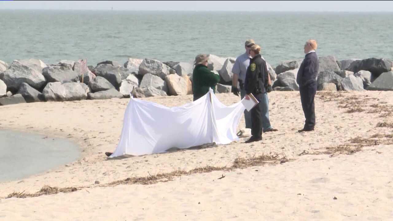 Woman's body found floating near Yorktownbeach