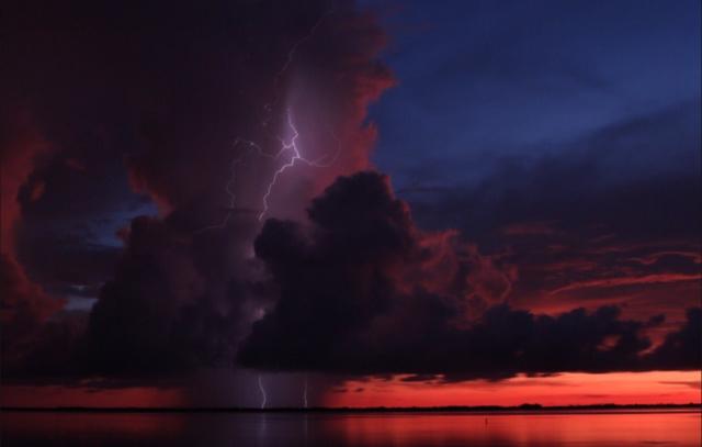 Lightning Photos 2017