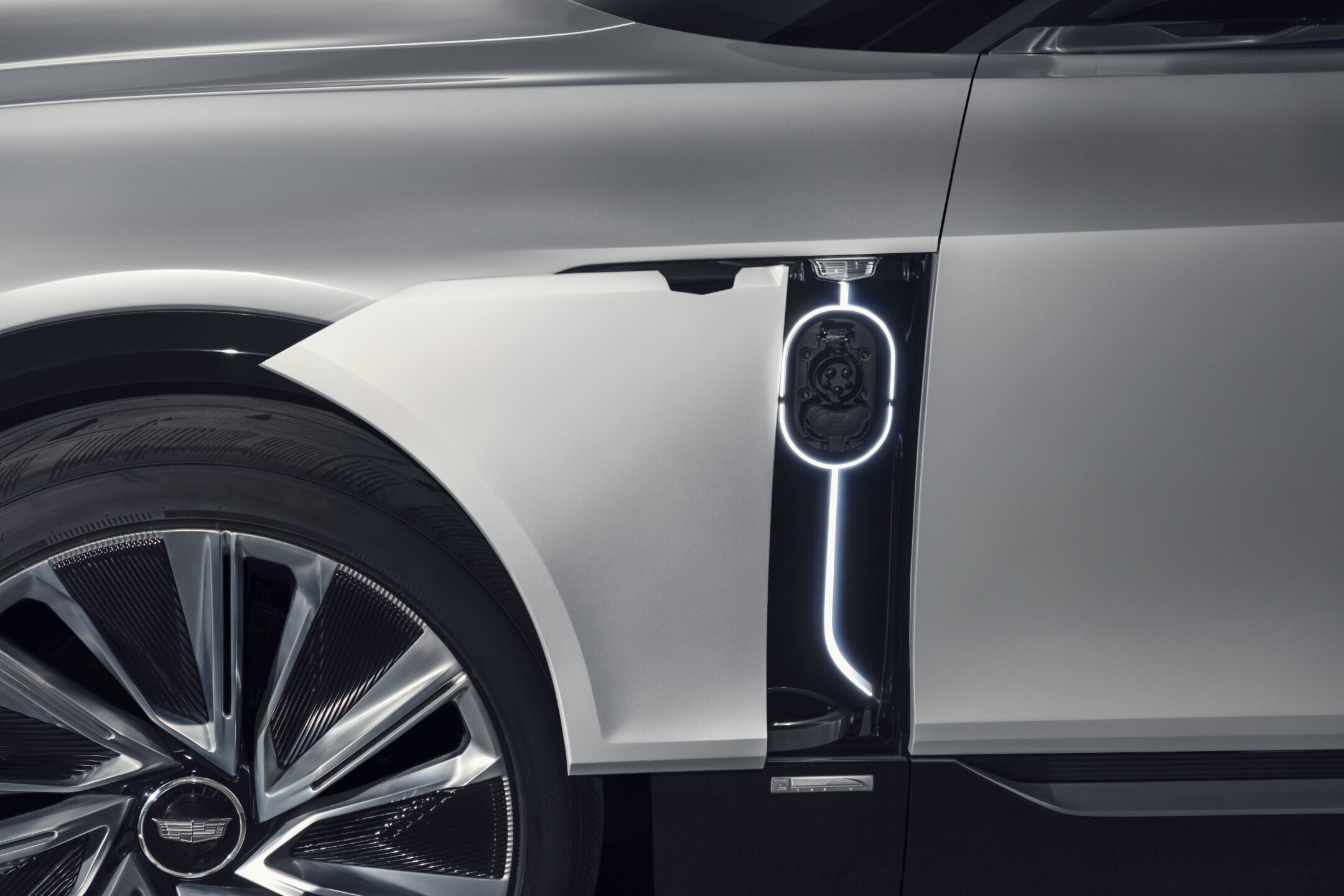 Cadillac LYRIQ pairs next-generation battery technology with a b