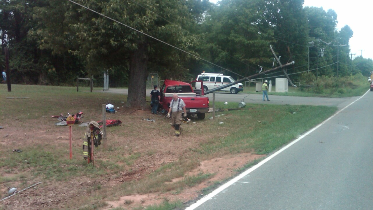 Driver Med-Flighted after Powhatan single-vehicle accident