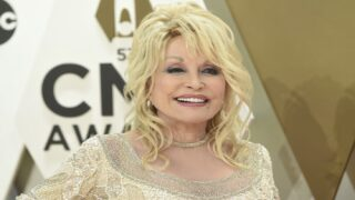 Dolly Parton Is Releasing Her First Christmas Album In 30 Years