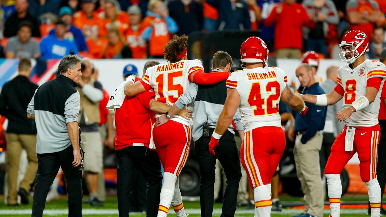 Mahomes injury-2