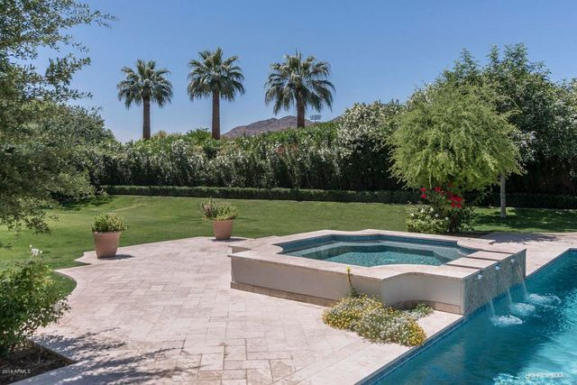 PHOTOS: Michael Phelps selling Paradise Valley home