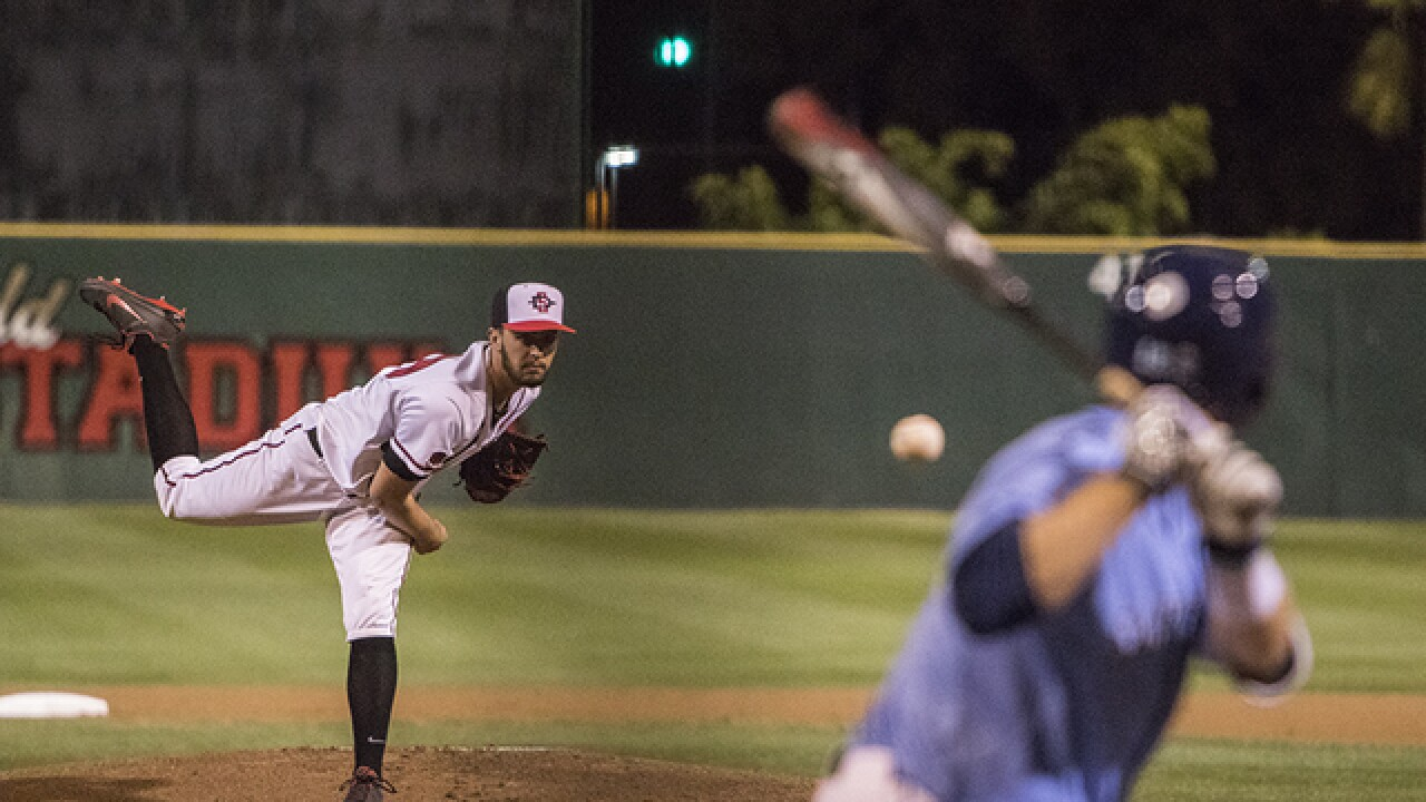 Aztecs lose 3-2 in extra innings to crosstown rival USD
