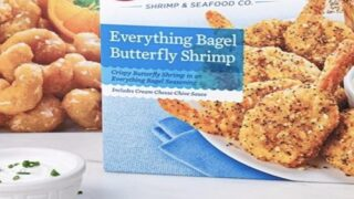 'Everything Bagel' Shrimp Comes With Cream Cheese Dipping Sauce