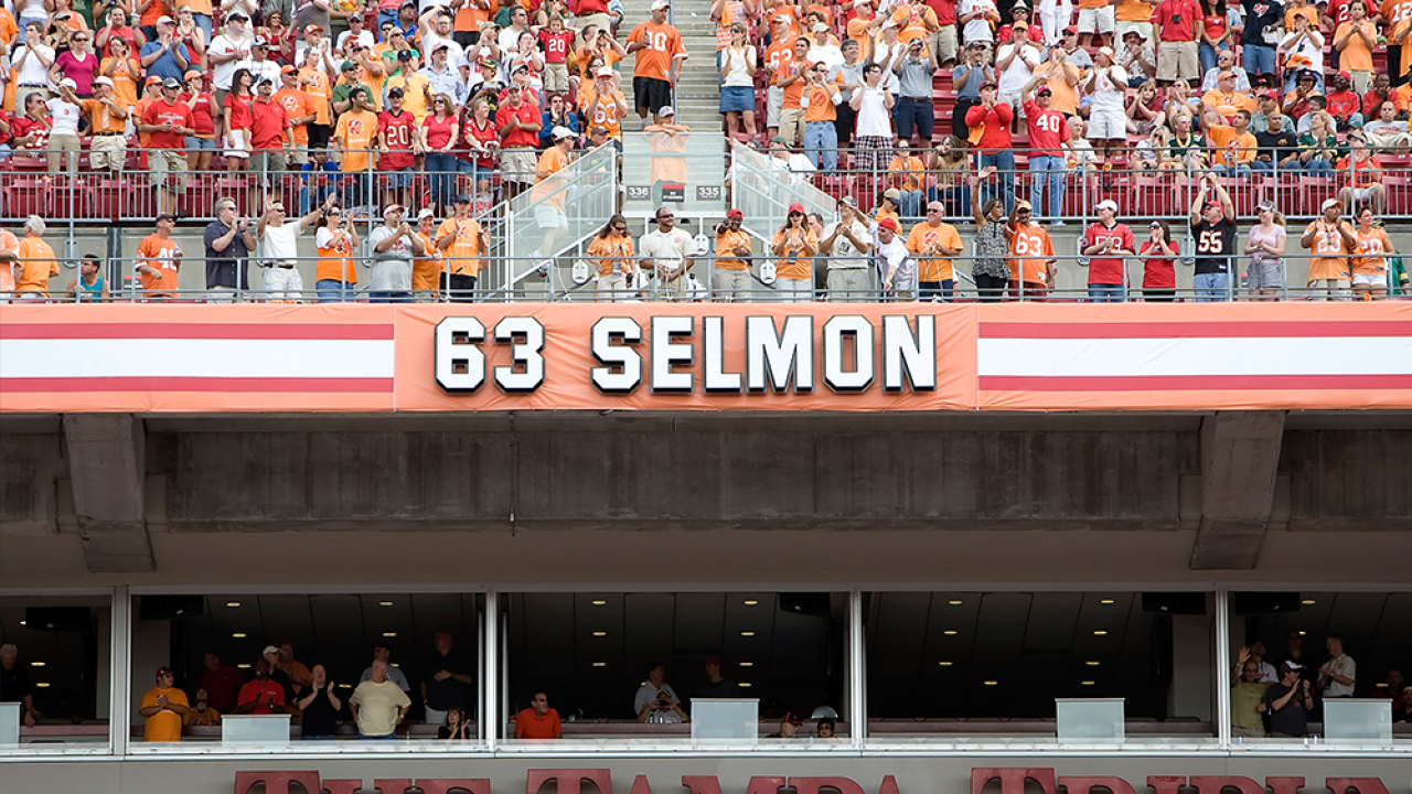 Lee-Roy-Selmon-001.png