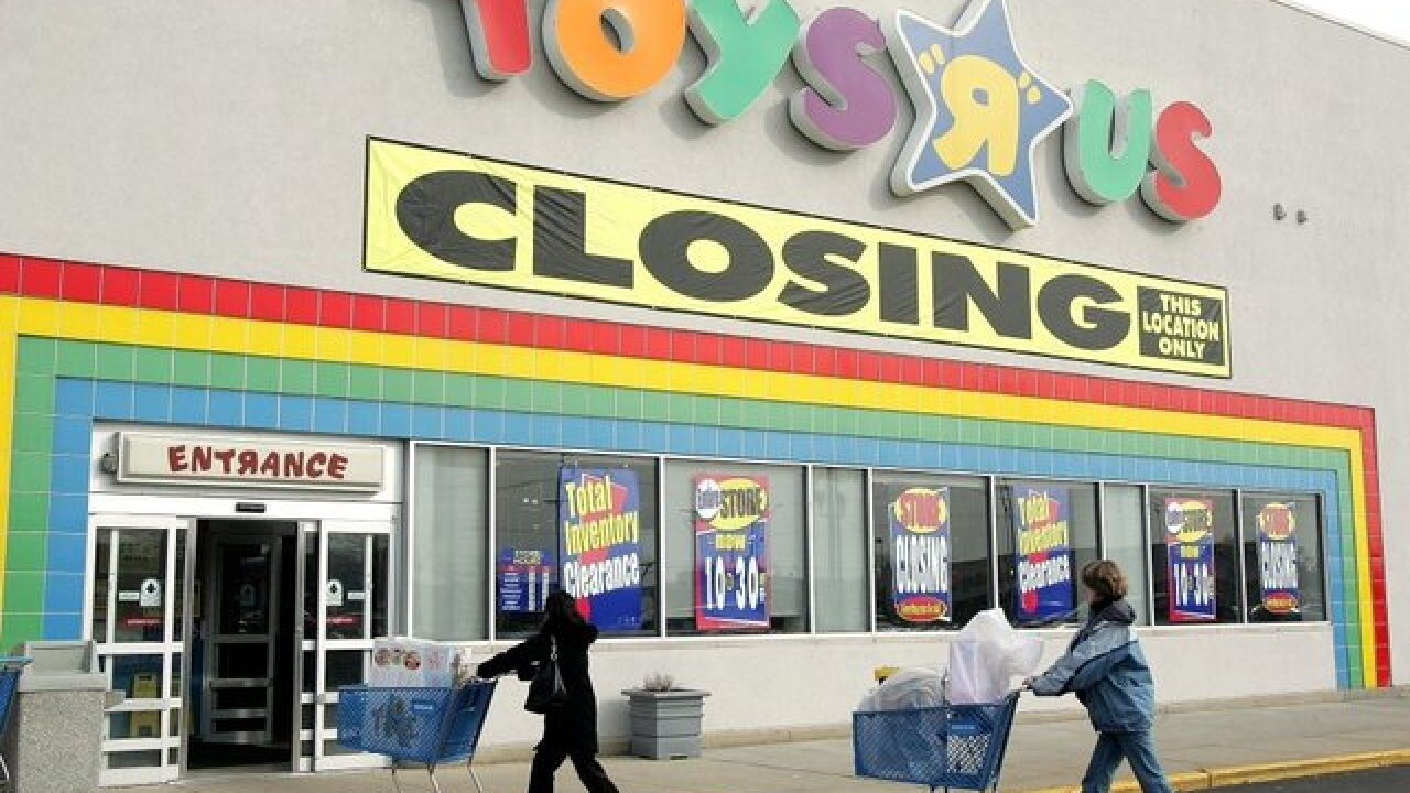 Toys 'R' Us to close all remaining US stores, report says