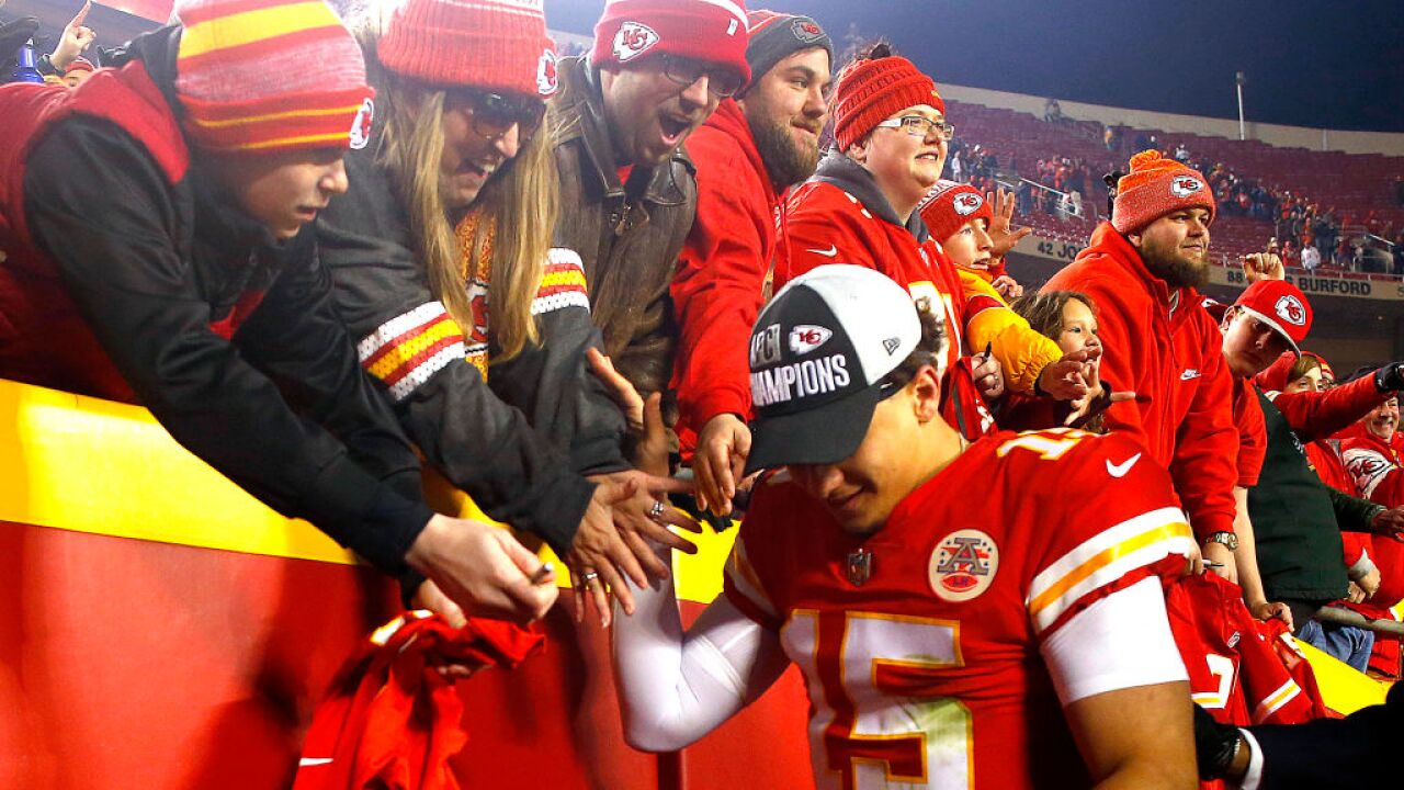 66a87a01 4th and 1: Chiefs fans exhale with Oakland win