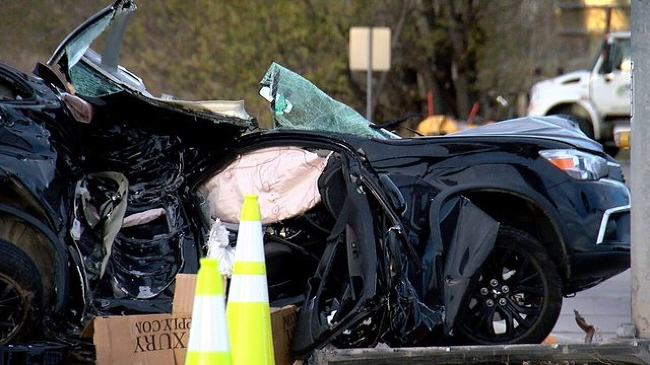 1 dead in crash at U S  287 and Arapahoe Road
