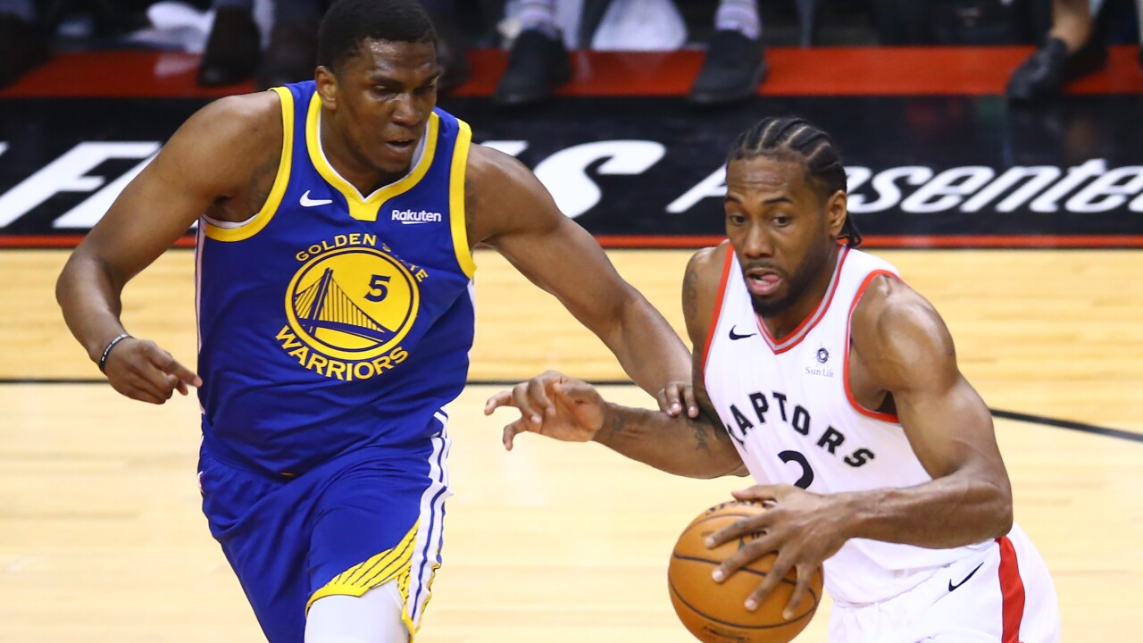 Milwaukee native Kevon Looney to miss remainder of NBA Finals with broken collarbone