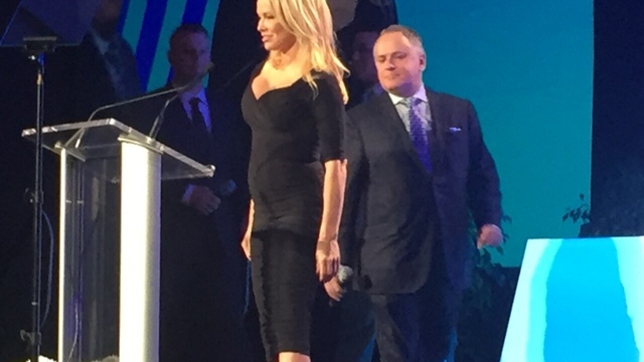 Pamela Anderson speaks out in Las Vegas against ridesharing apps