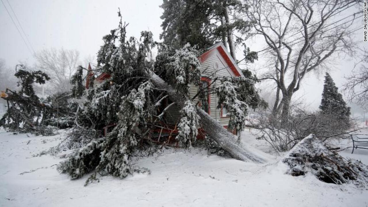 Bomb cyclone forces nearly 3,100 flight cancellations as major storm moves across US
