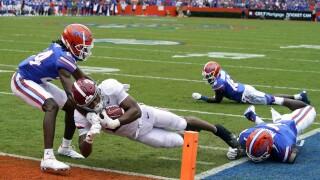 Alabama Crimson Tide running back Jase McClellan scores TD at Florida Gators in 2021