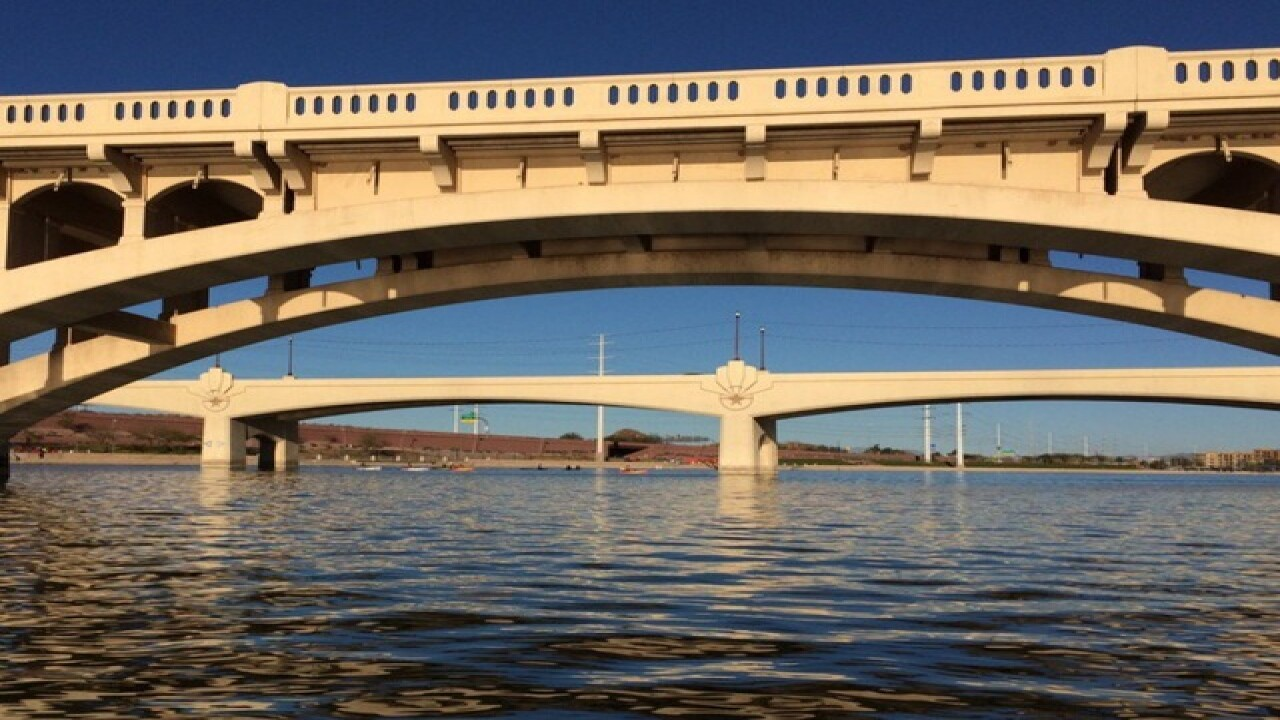 Tempe Town Lake closed for fishing, boating