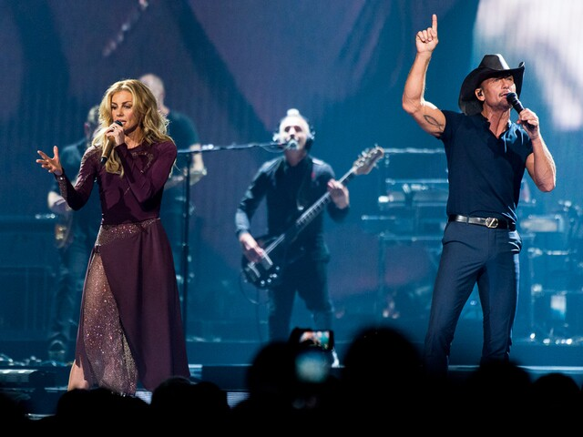 Tim McGraw and Faith Hill bring Soul2Soul World Tour to US Bank Arena